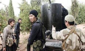 گروه تروریستی داعش 3 تن از اعضای چینی خود را اعدام کرد +عکس