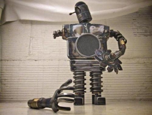 عکس های جالب و شگفت انگیز مجسمه های پیچ و مهره ای