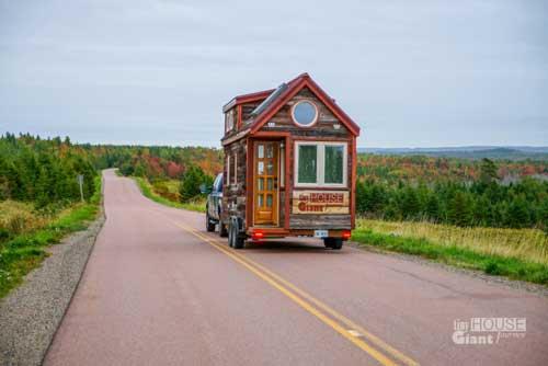 خانه ای جالب و کوچک مخصوص مسافرت +عکس