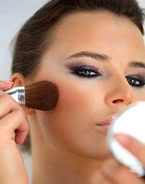 رایج ترین اشتباهات در آرایش صورت +عکس