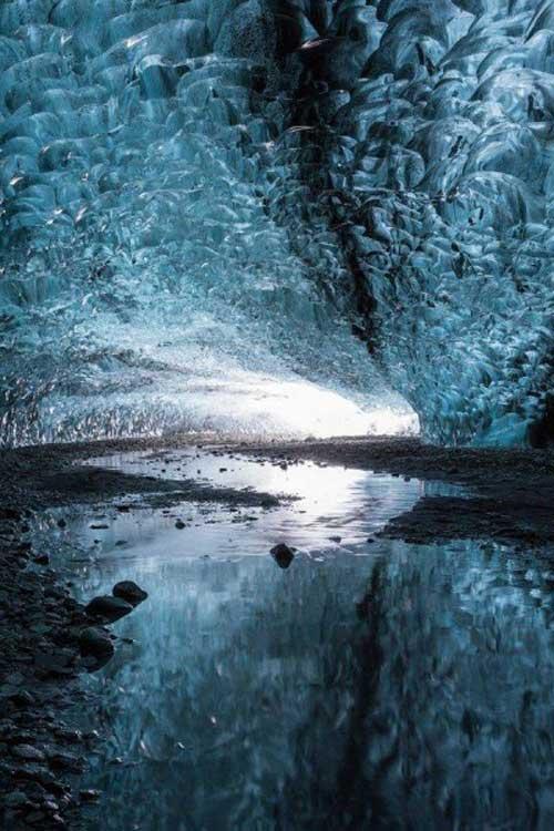 عکس های خارق العاده غار یخی در ایسلند