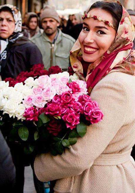 دختر گلفروش خوش چهره میدان تجریش سوژه شد! +عکس