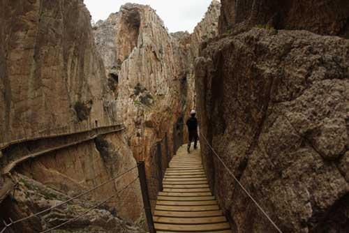 خطرناک ترین گذرگاه جهان از نظر گردشگران +عکس