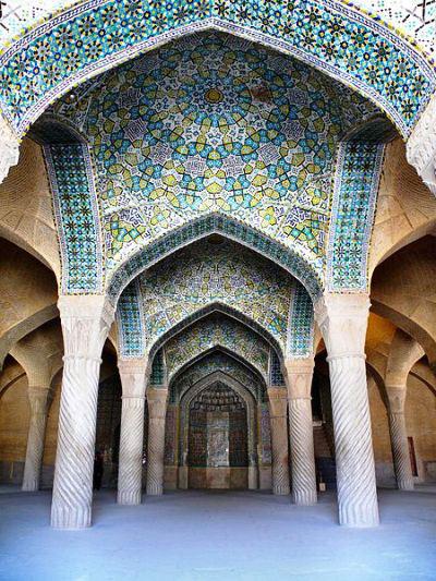 آشنایی با آثار تاریخی مذهبی شیراز