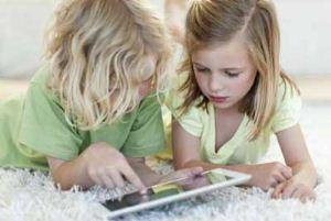 چطور کودکمان را از تبلت و گوشی دور کنیم؟