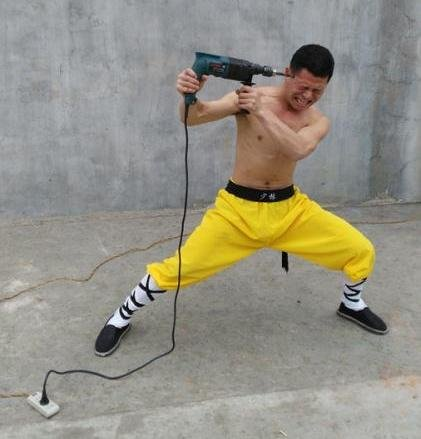 مرد ضد ضربه چینی ! +عکس