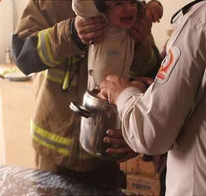 نجات دختری قبل از پخته شدن ( عکس)