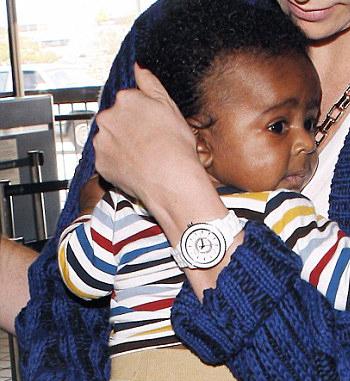 نوزاد سیاه پدست خوش اقبال یک شبه سوپر استار شد