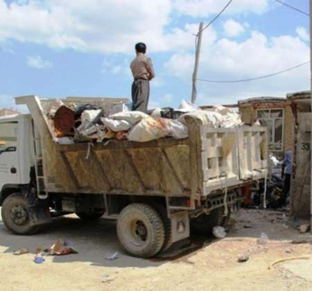 خانه ای که بیش از 100 تن زباله در خود جای داده