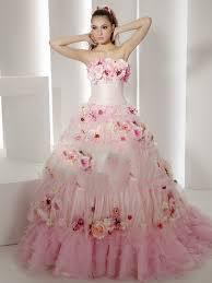نکات کلیدی در انتخاب لباس عروس