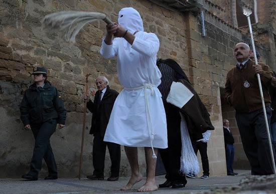 بزرگداشت مراسم شلاق زنی لوس پیکائوس