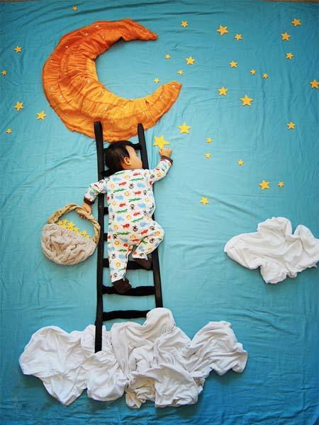 خلاقیت های بسیار زیبا یک مادر در عکاسی از خواب کودکش