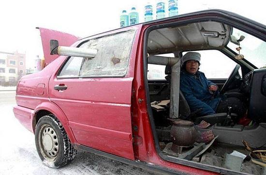 ایده عجیب خانم چینی برای گرم کردن ماشینش