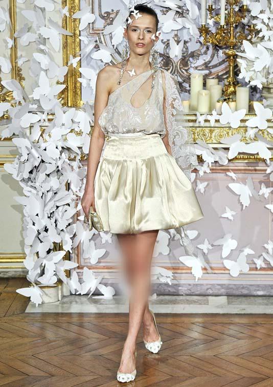 لباس عروس طرح پروانه برند Alexismabille