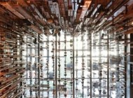 طراحی جالب این استودیو زیبا با چوب های معلق