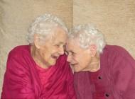 زندگی ساده این دوقلوی همسان 103 ساله