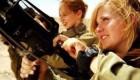 تصاویر سه زن زیبای نظامی در فواصل سنی مختلف