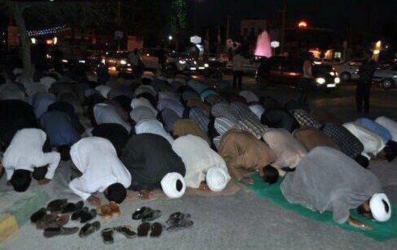 لغو کنسرت با تجمع و برگزاری نماز جماعت