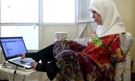 زندگی این زن زیبا و جذاب بدون دست در ایران