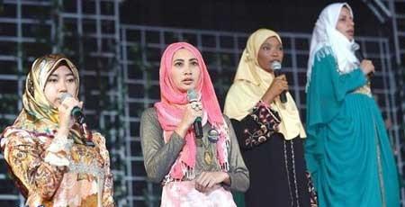 دختر ایرانی در مراسم دختر شایسته مسلمان