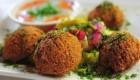 تصاویر فلافل فروشی سیار و سلف سرویس در شیراز