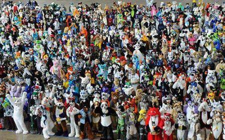 تجمع آدم های عروسكی برای شکستن رکورد گینس
