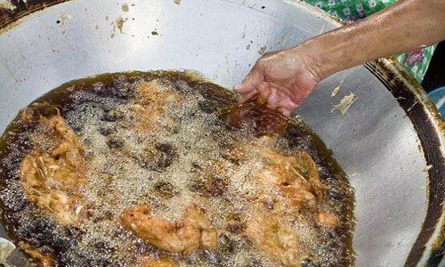 آشپزی که 50 سال دست خودش را پخت