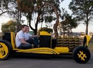 ماشین زیبا ساخته شده از لگوی واقعی