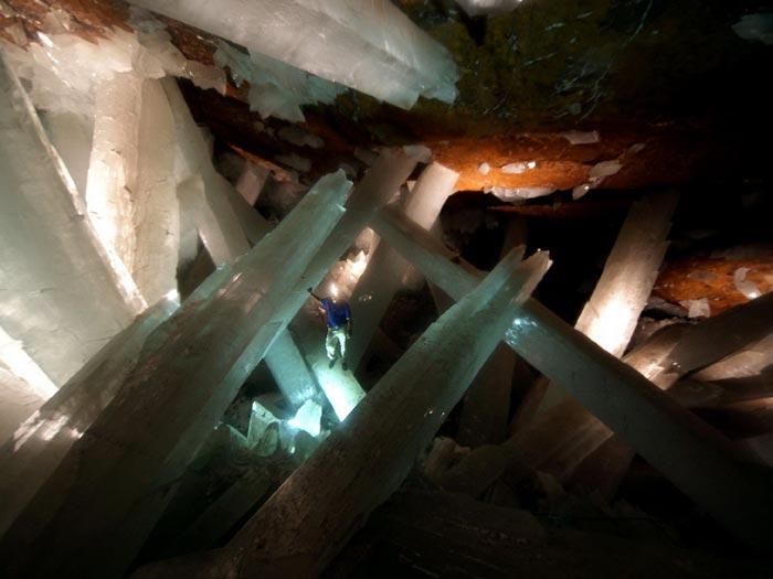 تصاویر زیبا از غار حیرت انگیز کریستال ها در صحرای مکزیک جی هوآهوآن