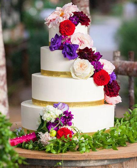 زیباترین کیک های عروسی تزیین شده با گل طبیعی