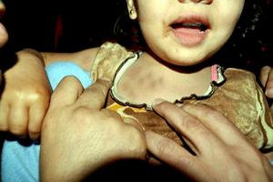 طمع مادرانه منجر به تجاوز به دختر 5 ساله در مشهد شد