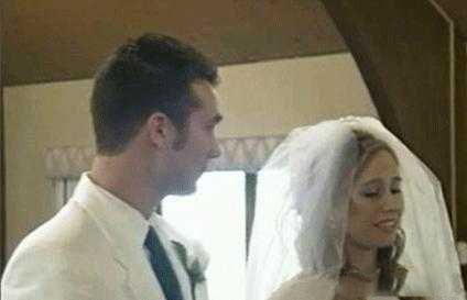عکس های عروسی که وسط مراسم غش کرد