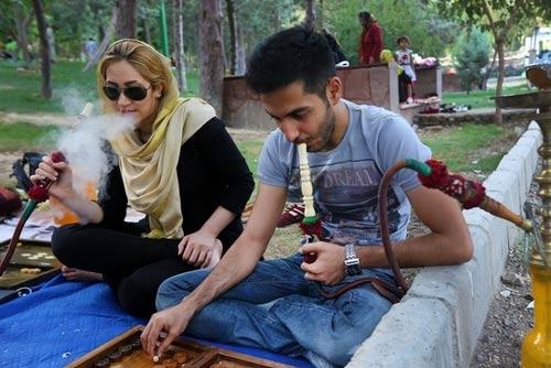 خطر جذابیت قلیان برای دختران ایرانی مخصوصا در تابستان