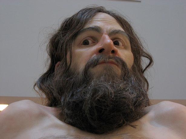 تصاویر جالب و کامل از انسان های غول پیکر مومی