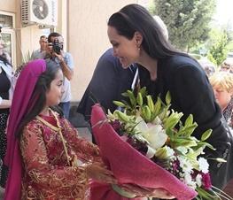 مصاحبه ای خواندنی از انجلینا جولی و دخترش در میان آوارگان