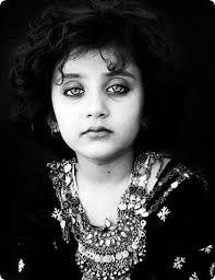 تصاویر زیبا از چشمان بی مثال این دختر افغان