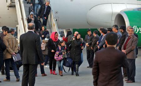مهماندار های جذاب و زیبا و بی حجاب هامبورگ در مشهد