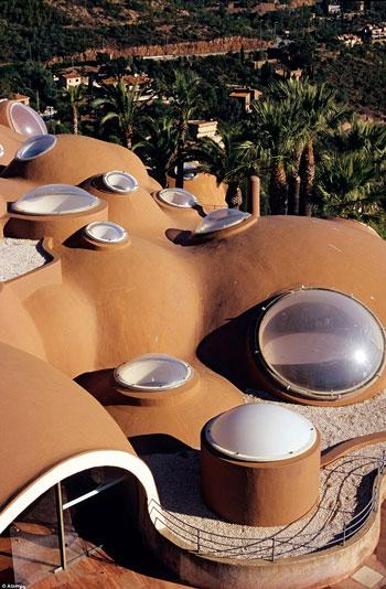 هتل قصر حبابی زیبا در فرانسه