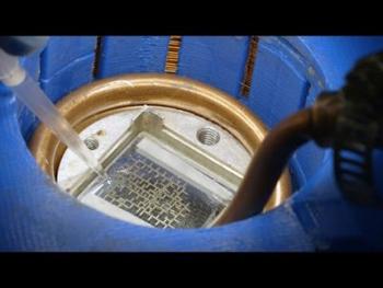این رایانه با استفاده از فیزیک حرکت قطرات آب کار می کند