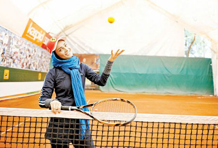 آموزش تنیس با تینا آخوند تبار + عکس