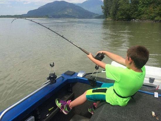 شکست دادن ماهی قول پیکر  272 کیلو گرمی و طول 3 متری