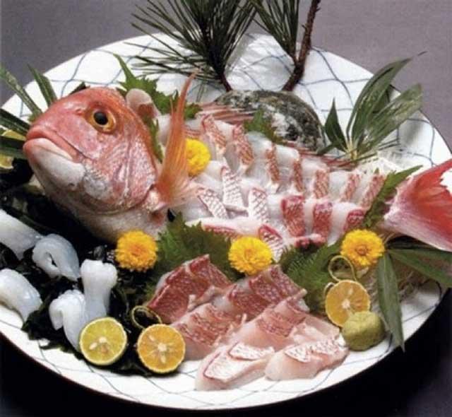 آشنایی با غذاهای پر خاصیت چندش آور
