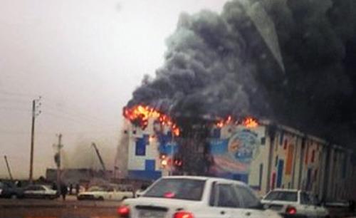 حادثه قطع برق و آتش سوزی در مجموعه موج های خروشان مشهد