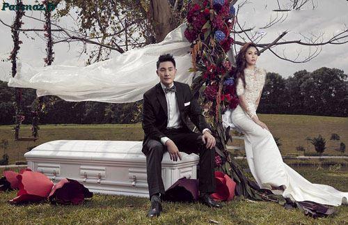 عکس عروسی متفاوت این زوج با تم مرگ و تابوت