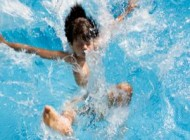 غرق شدن پدر ودختر با هم در استخر