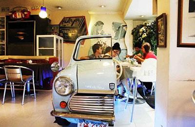 در این رستوران با ماشین غذا بخورید