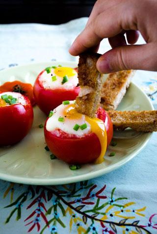 دیزاین های زیبای گوجه و پنیر برای دیزاین سفره