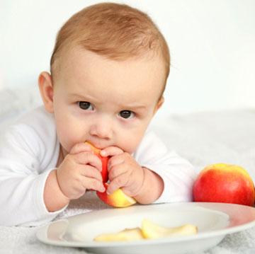 راههای پیشگیری از خفگی در نوزادان و علل آن