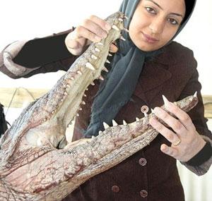 دختر زیبای ایرانی که با کرو کدیل ها زندگی می کند