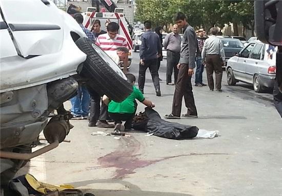برخورد شدید 206 با تیر برق باعث مرگ راننده شد تصاویر +18